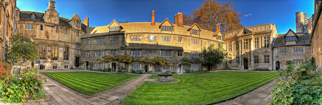 The beautiful front quad of St Edmund Hall
